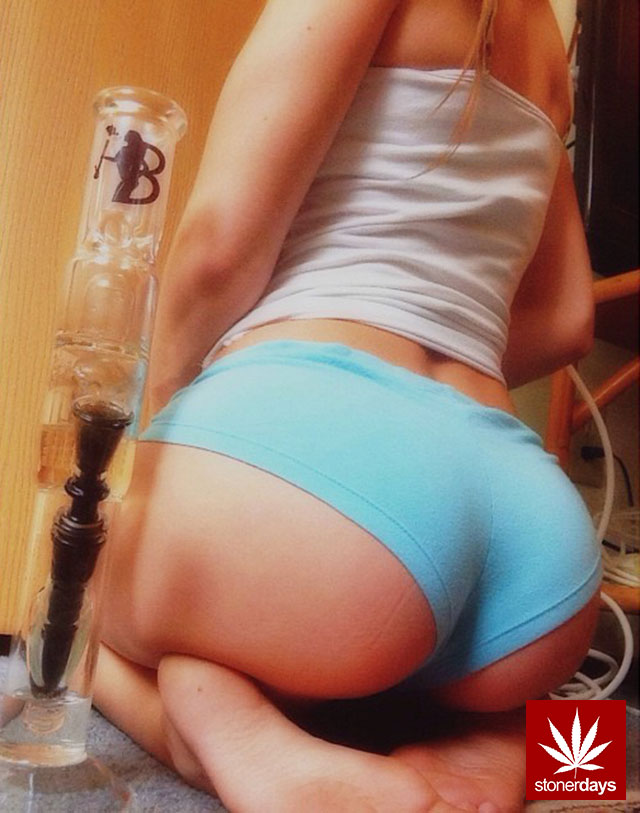 Marijuana-sexy-girls-DiscGolf_420-(6)