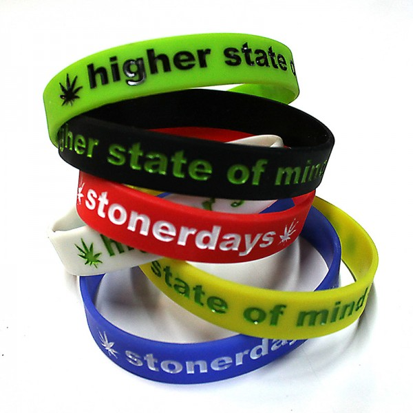 STONERDAYS-BRACELET-ALL-600x600