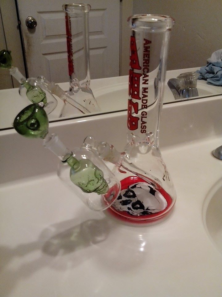 stonerdays-facebook-pipe-bong-images (14)