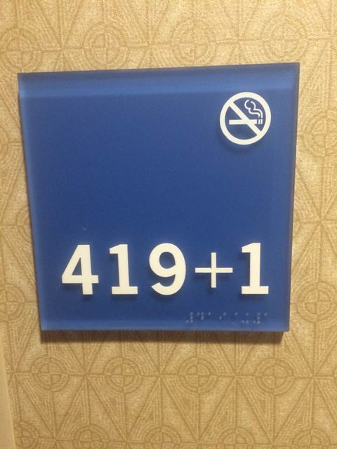 stonerdays-hotel-room-420