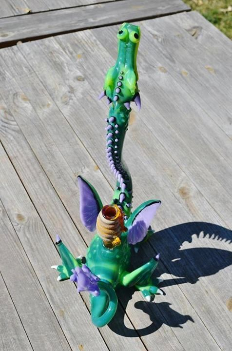 cool-stoner-bongs-rigs-pipes-16