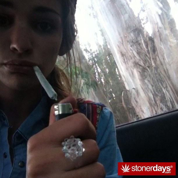420-babe-stoned-blazed-Chelsoy--(39)