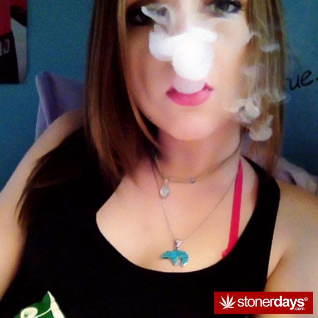 420-babe-stoned-blazed-parkerseidler--(17)