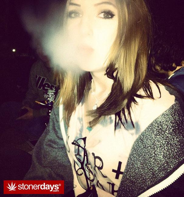 420-babe-stoned-blazed-parkerseidler--(5)