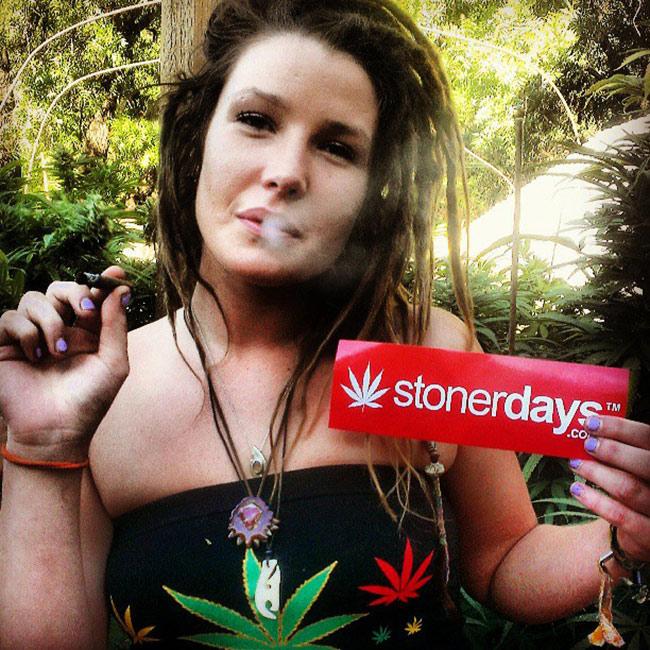 420-babe-stoner--blazed-instapounds23-(3)