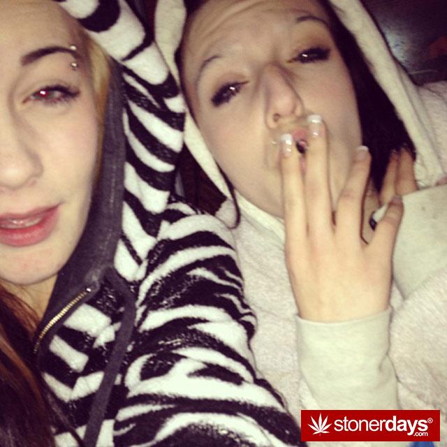 420-babe-stoner-stoned-blanchard95-(15)