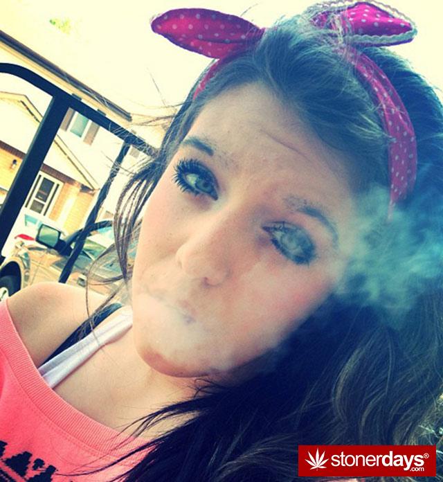 420-babe-stoner-stoned-blanchard95-(16)