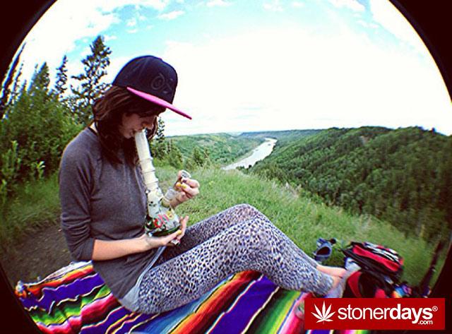 Bogn-Stoner-weed-sexy-emmajpg-(15)