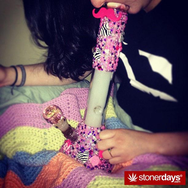 blazed-420-babe-stoner-ladyxp_xo-(1)