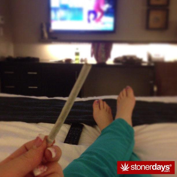 blazed-420-babe-stoner-ladyxp_xo-(2)