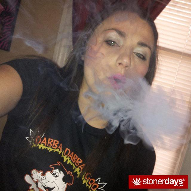 blazed-stoner-420-babe-eatyourheartoutxo-(15)