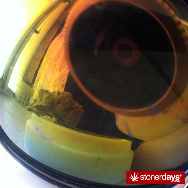 smoking-weed-bud-bongs (48)