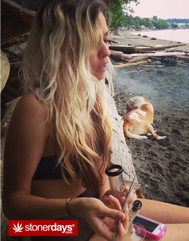 stoner-babes-marijuana-_dankyjesss-(2)