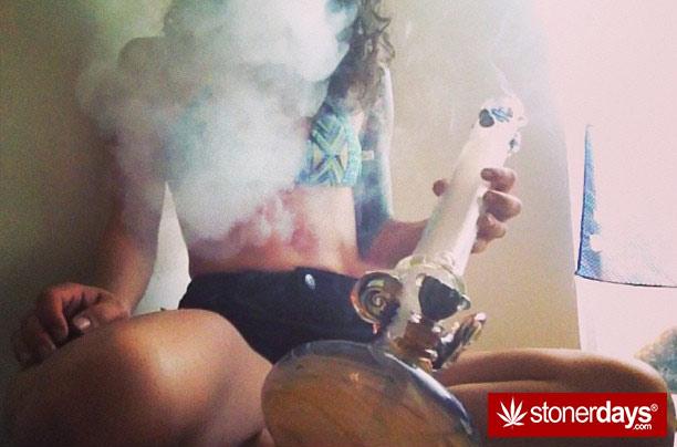 stoner-babes-marijuana-_dankyjesss-(33)