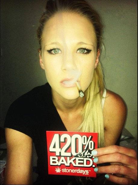 stoner-babes-stoned-skye_420-(11)
