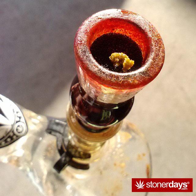 sexy-stoner-marijuana-pictures (14)
