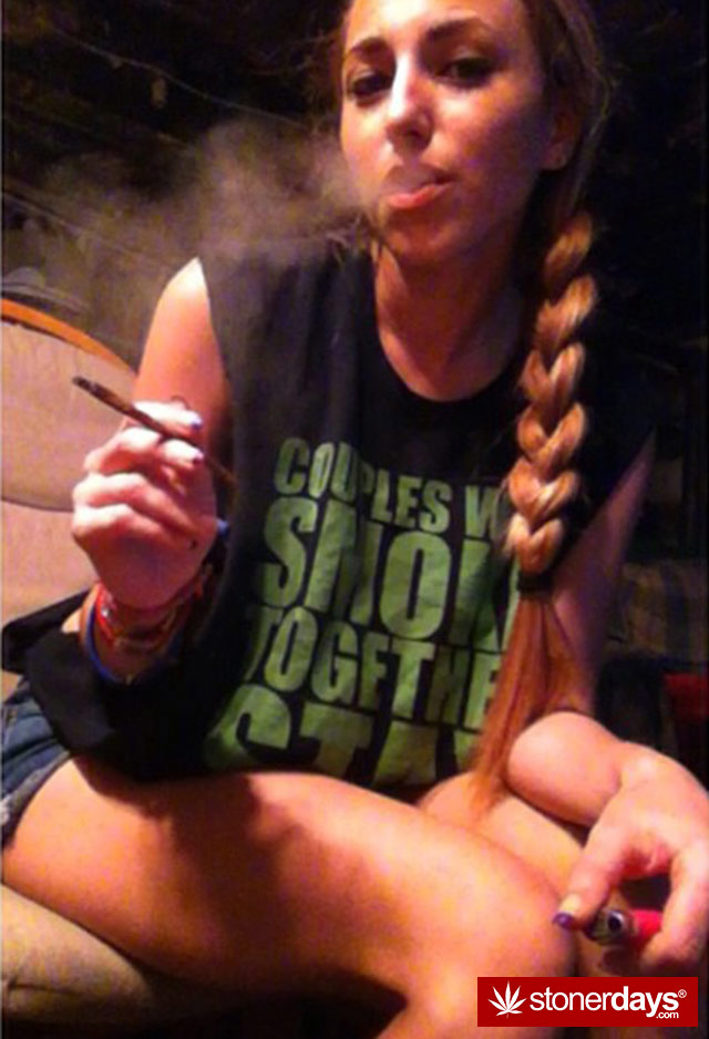 stoner-sexy-girls-marijuana (3)