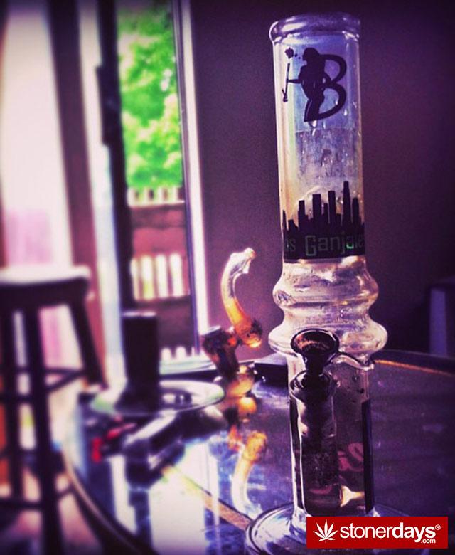 stoned-blazed-420-girls-blondemarley-(37)