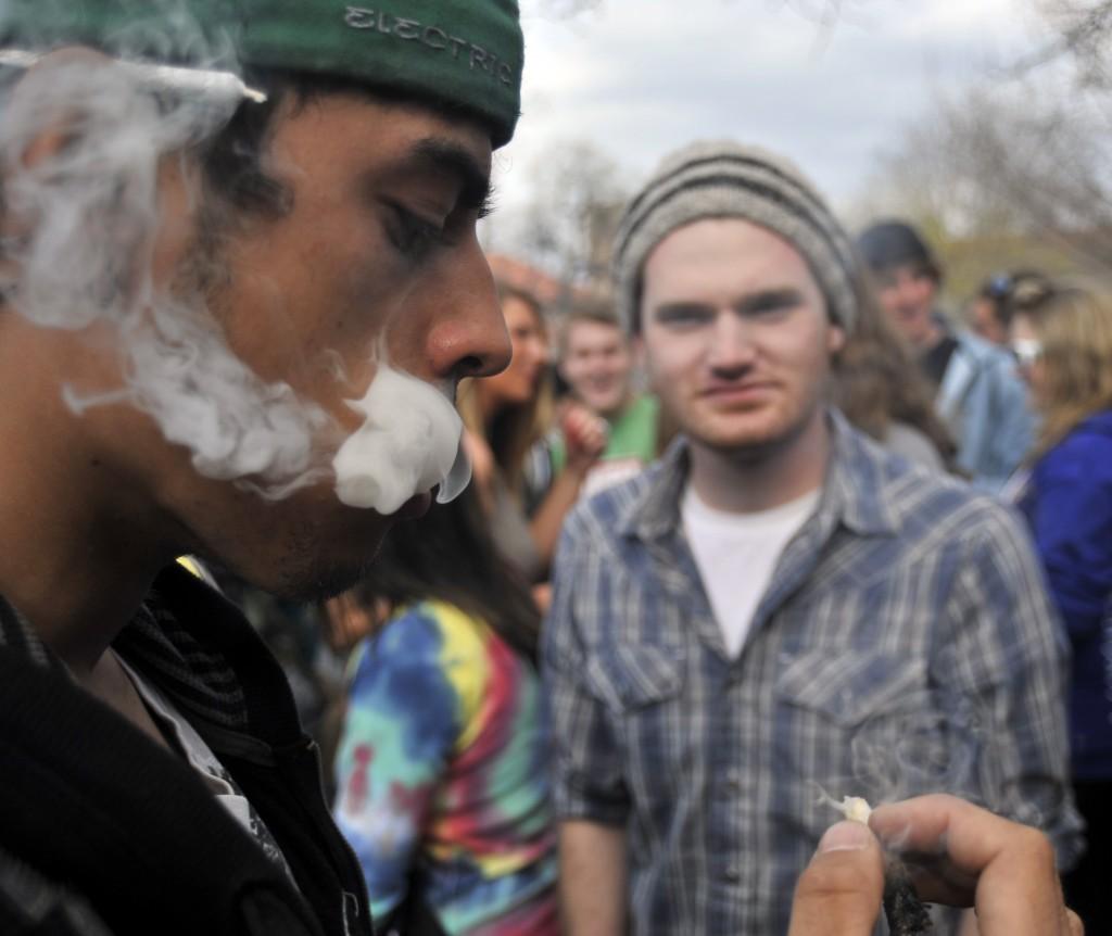 4/20 SMOKE OUT BOULDER