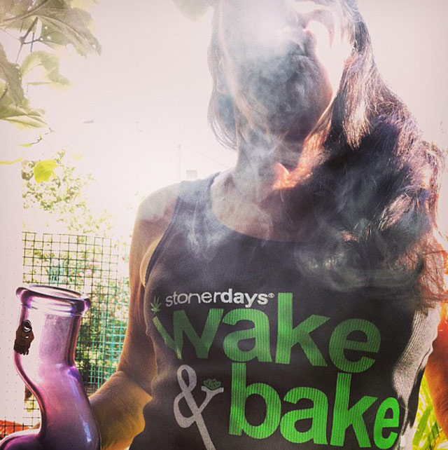 stoner-wake-and-bake-jstangermaui