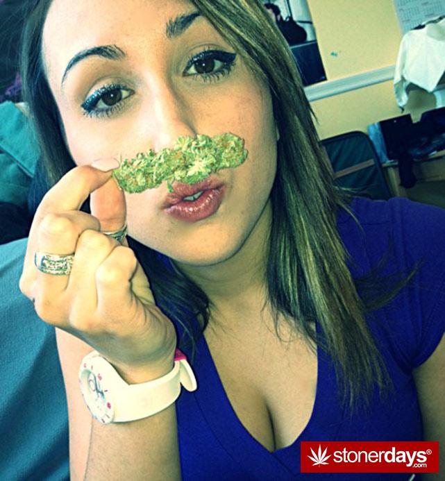 sexy-stoner-marijuana-pictures (13)