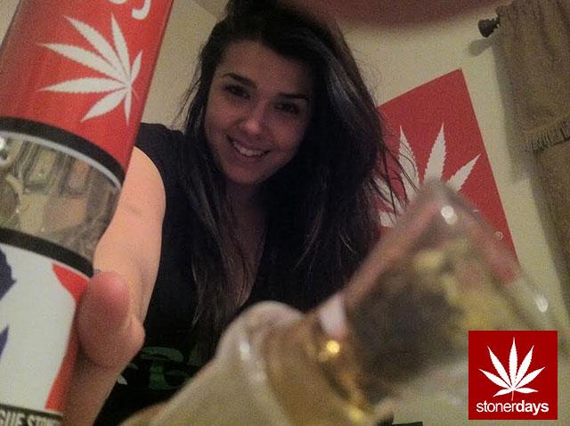 stonerdays-marijuana-baked-joints-blunts-sexy-(106)
