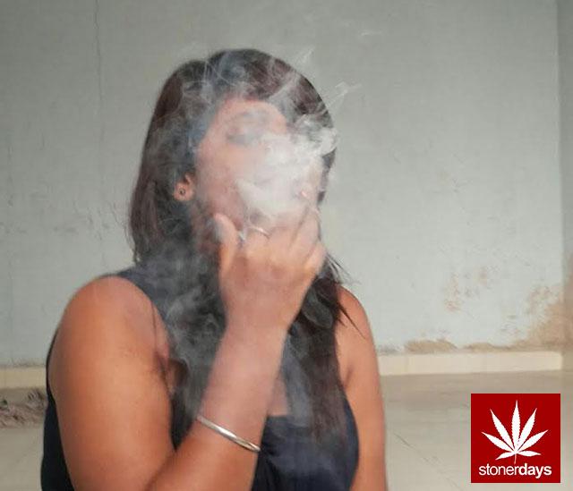 stonerdays-marijuana-baked-joints-blunts-sexy-(108)