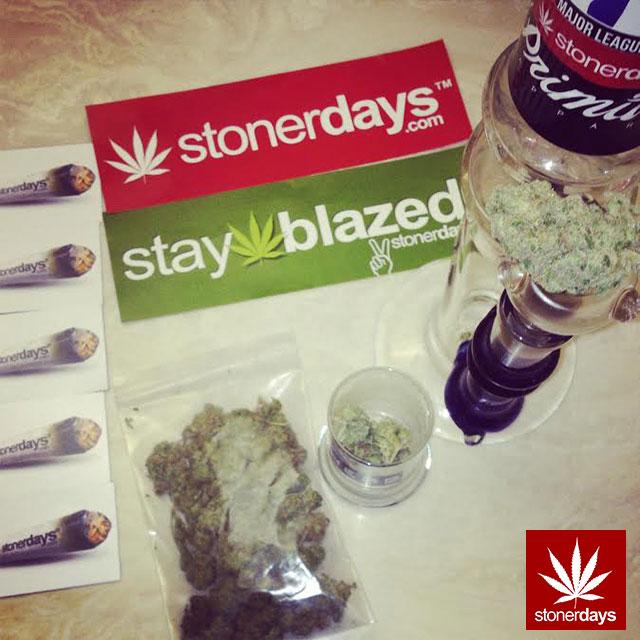 stonerdays-marijuana-baked-joints-blunts-sexy-(115)