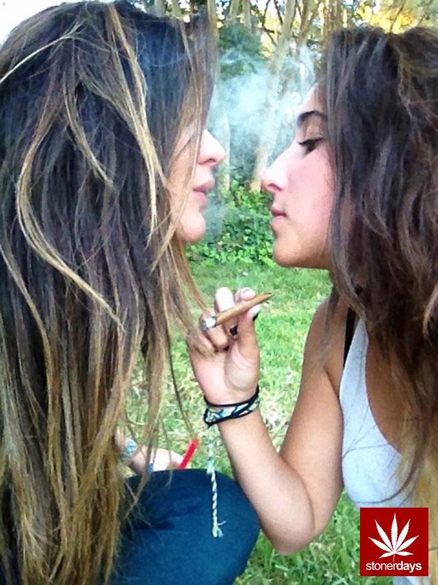 stonerdays-marijuana-baked-joints-blunts-sexy-(162)