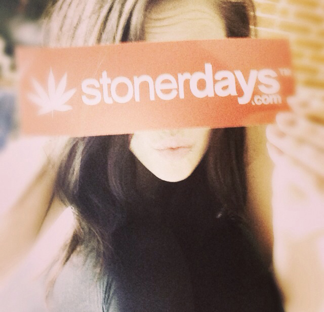 stonerdays-marijuana-baked-joints-blunts-sexy-(34)