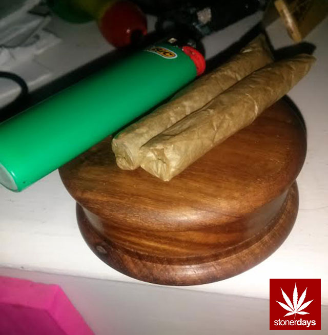 stonerdays-marijuana-baked-joints-blunts-sexy-(77)