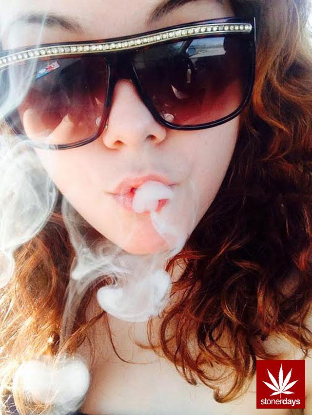 stonerdays-marijuana-baked-joints-blunts-sexy-(85)
