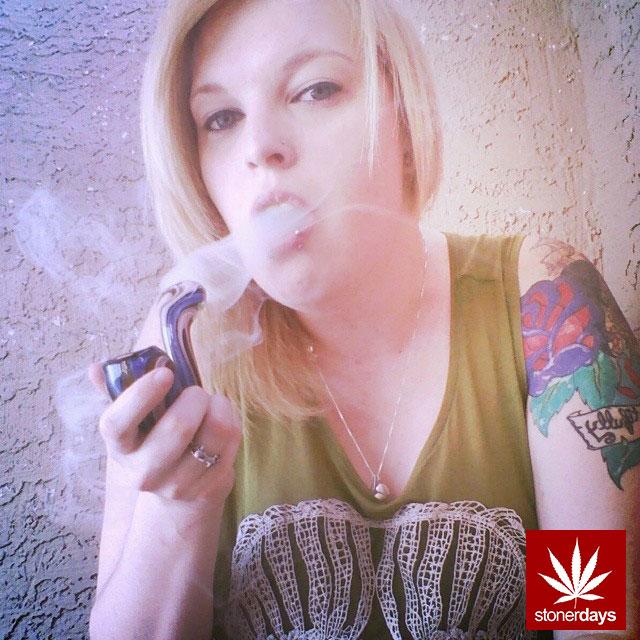 stoners marijuana pot weed stoned sexy stoner (109)