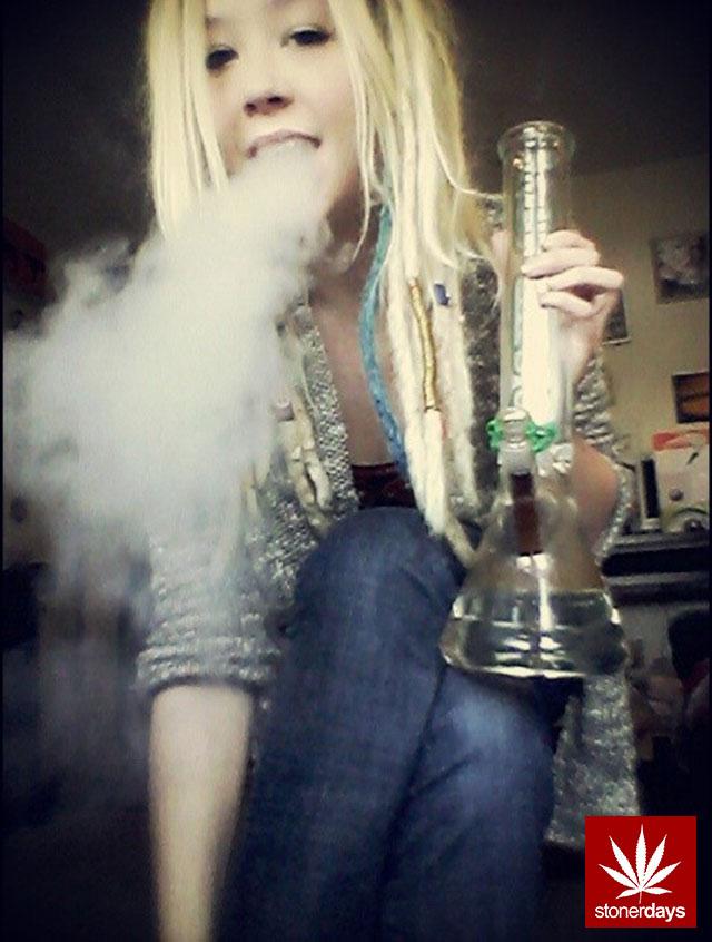 stoners marijuana pot weed stoned sexy stoner (205)