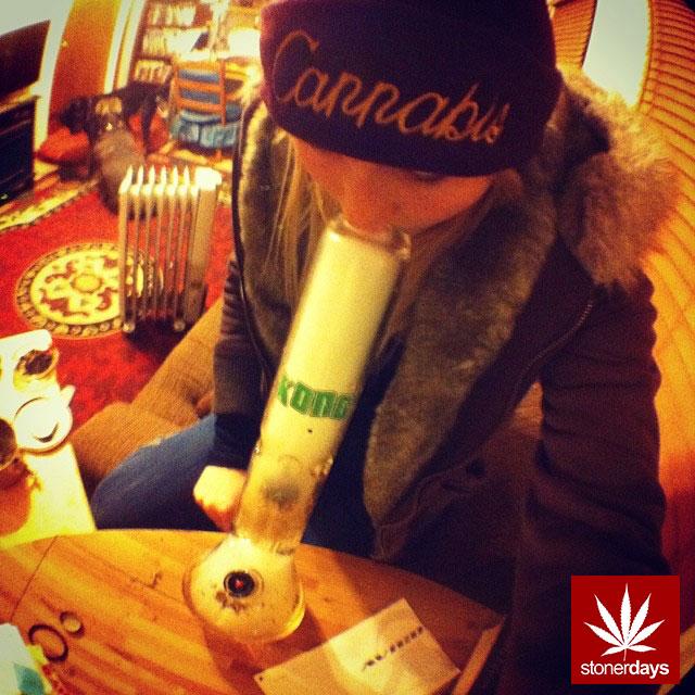 stoners marijuana pot weed stoned sexy stoner (22)