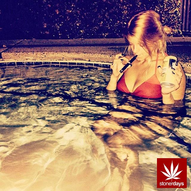 stoners marijuana pot weed stoned sexy stoner (244)