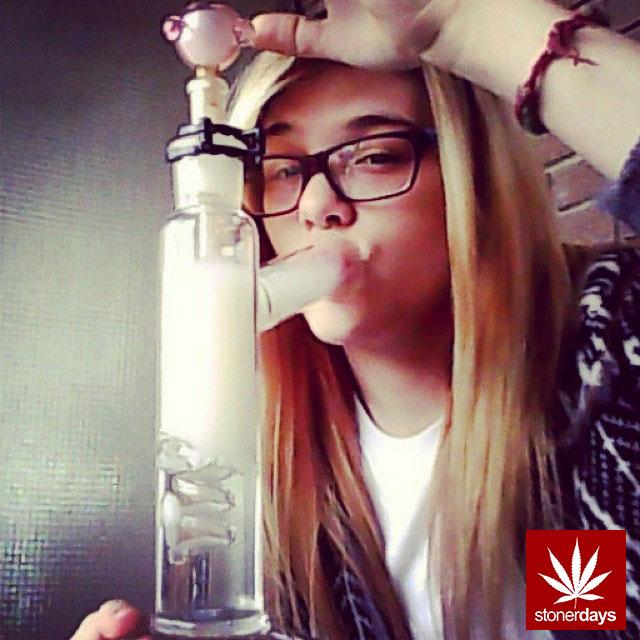stoners marijuana pot weed stoned sexy stoner (273)