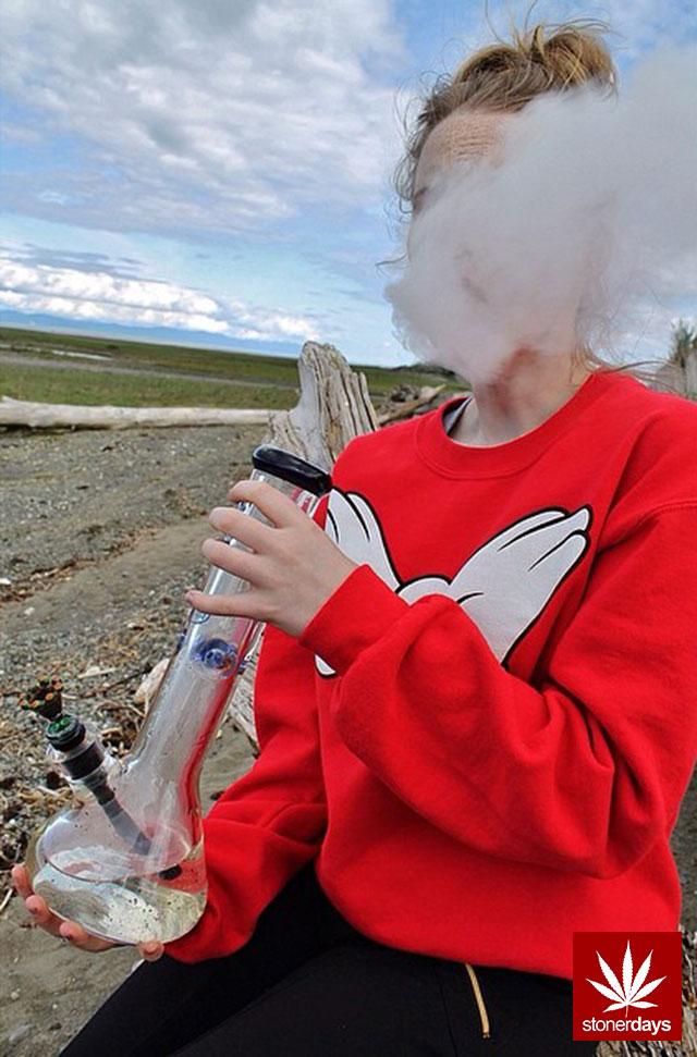 stoners marijuana pot weed stoned sexy stoner (302)