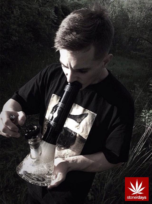 stoners marijuana pot weed stoned sexy stoner (320)