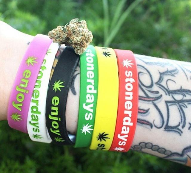stoners marijuana pot weed stoned sexy stoner (388)