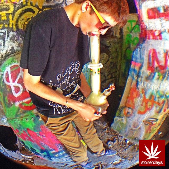 stoners marijuana pot weed stoned sexy stoner (93)