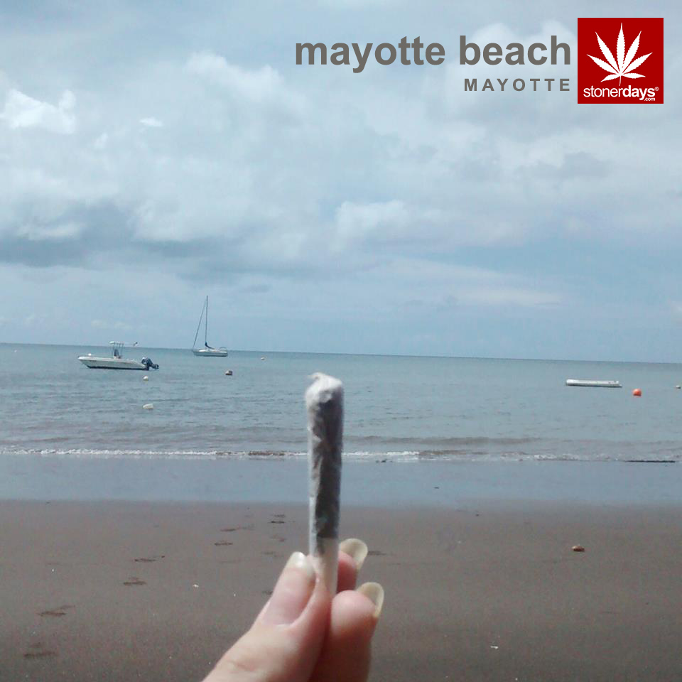 Mayotte-Mayotte-Beach-marijuana