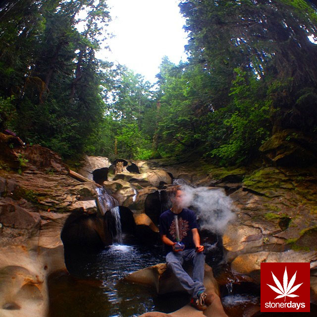 stonerdays-stayblazed-marijuana-pipes-joints-blunts-weed (102)