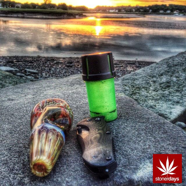 stonerdays-stayblazed-marijuana-pipes-joints-blunts-weed (183)