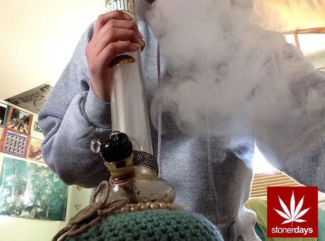 stonerdays-stayblazed-marijuana-pipes-joints-blunts-weed (19)