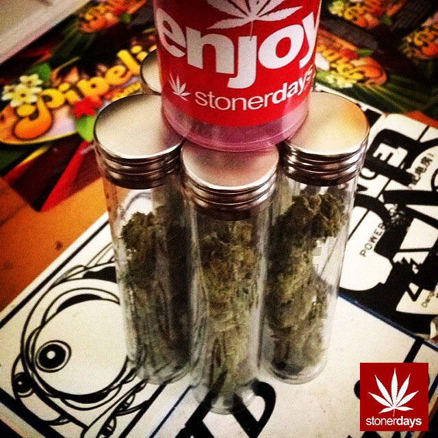 stonerdays-stayblazed-marijuana-pipes-joints-blunts-weed (42)