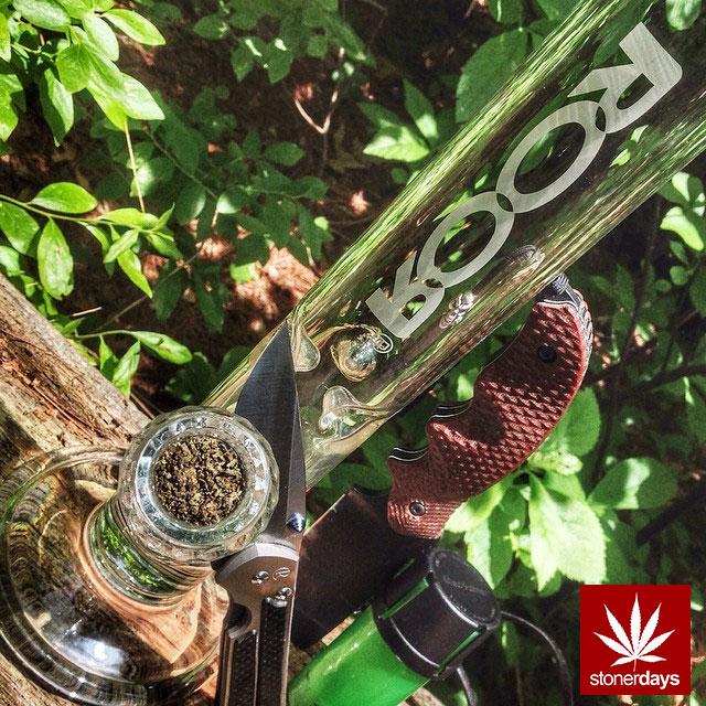 stonerdays-stayblazed-marijuana-pipes-joints-blunts-weed (52)