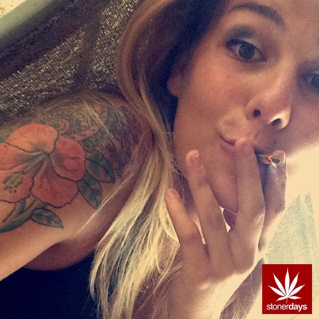 stonerdays-stayblazed-marijuana-pipes-joints-blunts-weed (98)