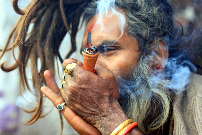 smoke-cannabis