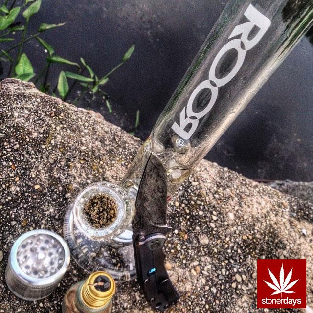 blunts-bongs-marijuana-pot-stonerdays (558)